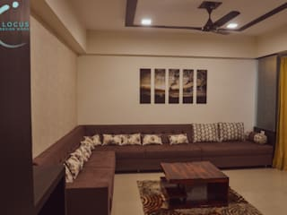Mitin Agrawal's Residence - Interior Design Classic style living room by Locus Design Works Classic