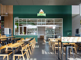 Lean & Rush W33 Design Studio Shopping Centres Green