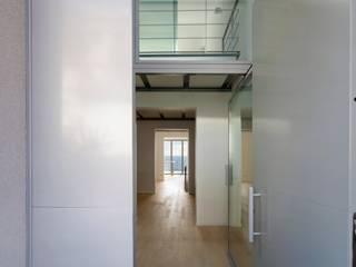 TUTTIARCHITETTI industrial style corridor, hallway & stairs