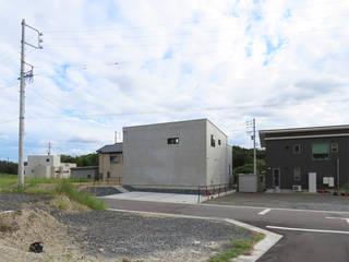 土間と回廊の家 モダンな 家 の ジュウニミリ建築設計事務所 モダン