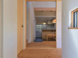 豊田市の旗竿地の家 和風の 玄関&廊下&階段 の ジュウニミリ建築設計事務所 和風