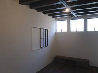 東区の小さな家 和風デザインの リビング の ジュウニミリ建築設計事務所 和風