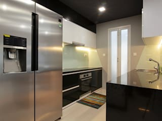 Trang trí nội thất căn hộ Xi Grand Court Apartment Nhà bếp phong cách hiện đại bởi Công ty trang trí nội thất RIM Decor Hiện đại