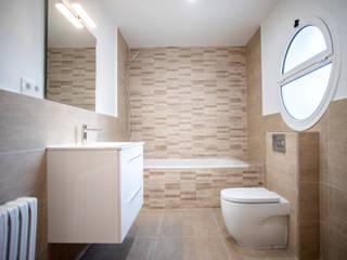 Moderne Badezimmer von Grupo Inventia Modern