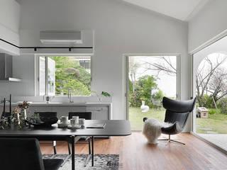 Simple Life 现代客厅設計點子、靈感 & 圖片 根據 權釋設計 現代風