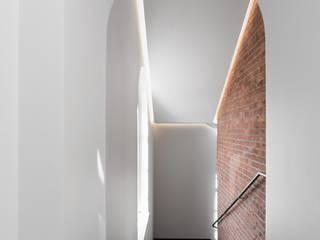 Интерьер бизнес-центра NEVKA Офисные помещения в стиле лофт от Art Gluck Лофт