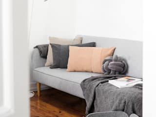 scandinavian  by Casas com design, Scandinavian