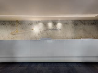Arquitetura Sônia Beltrão & associados Ruang Komersial Minimalis Kaca White