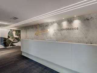Arquitetura Sônia Beltrão & associados Commercial Spaces گلاس White