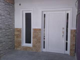 puerta de con 2 fijos estilo americano de Carpinteria cardos Moderno