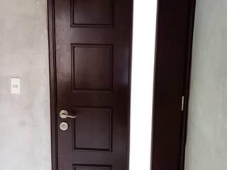 fabricación de puerta de tableros colonial de Carpinteria cardos Minimalista