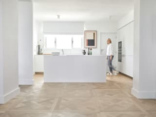 BANTRY BAY, APARTMENT by Oggie Flooring Minimalist