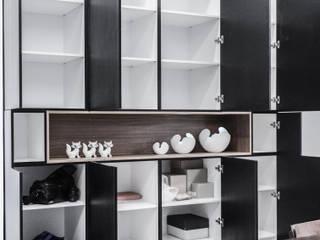 Minimalist living room by Kerinthing Design Unit Minimalist