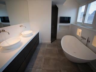 Luxe badkamer Moderne badkamers van De Eerste Kamer Modern