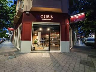 Instalación de iluminación en vinoteca Bares y clubs de estilo moderno de Electricitat Caricano Moderno