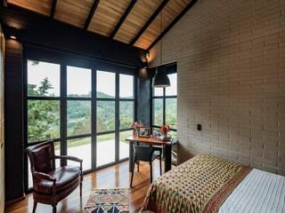 Casa Ortega Mora Estudio Transversal SAS Habitaciones modernas