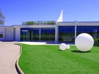 Globo Kugelleuchten von Slide für eine beeindruckende Außenbeleuchtung lights4life GmbH & Co.KG GartenBeleuchtung Kunststoff Weiß