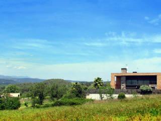 3 HABITAGES A MIDA - 3 VIVIENDAS A MEDIDA de FARRIOL i COL.LABORADORS arquitectes Moderno