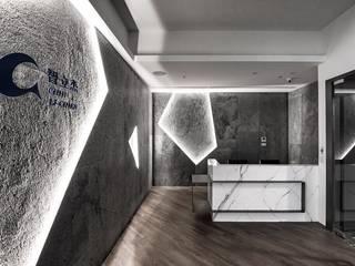 [ 角構築 ] 根據 墨䔳室內裝修設計有限公司 隨意取材風