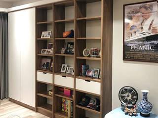 系統櫃全室設計: 極簡主義  by 醉心空間設計有限公司, 簡約風