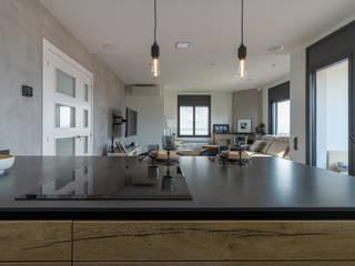 RENOVA INTERIORS 置入式廚房