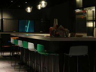 Oficinas Rappi Campus CDMX Bares y clubs de estilo industrial de Fobos Lighting Studio Industrial