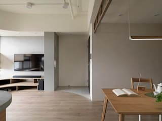 Koridor & Tangga Gaya Skandinavia Oleh 寓子設計 Skandinavia