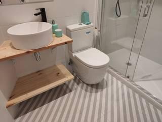 REFORMA INTEGRAL PAU ALSINA Renova-T Baños de estilo industrial Azulejos Blanco