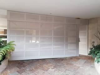 PUERTAS AUTOMÁTICAS GROSSMANN Puertas de entrada Metal Blanco