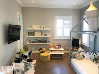 Classic style nursery/kids room by SimpliMation Pty Ltd Classic