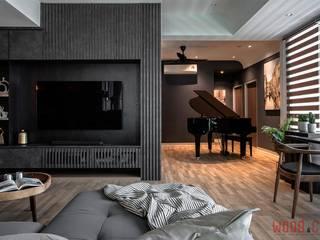 𝐏𝐄𝐍𝐓𝐇𝐎𝐔𝐒𝐄 | 𝐒𝐈𝐌𝐏𝐋𝐄 𝐋𝐔𝐗𝐔𝐑𝐘 𝐋𝐈𝐕𝐈𝐍𝐆 WOOD & COL SDN BHD Living room Black