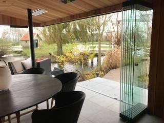 Jardin d'hiver minimaliste par Schmidinger Wintergärten, Fenster & Verglasungen Minimaliste