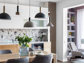 Реализованный проект   110 кв. м   Hanami   Квартира в современном стиле Кухня в стиле минимализм от MIYAO   КАТЕРИНА БОРОДИНА И ПИТЕРСКИЙ СЕРГЕЙ Минимализм