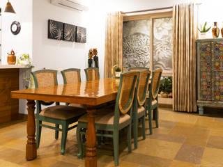 VILLA 46, EKTHA PRIME-GACHIBOWLI, HYDERABAD Minimalist dining room by Crafted Spaces Minimalist