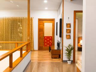 VILLA 46, EKTHA PRIME-GACHIBOWLI, HYDERABAD Minimalist corridor, hallway & stairs by Crafted Spaces Minimalist