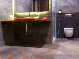 VILLA 46, EKTHA PRIME-GACHIBOWLI, HYDERABAD Minimalist bathroom by Crafted Spaces Minimalist