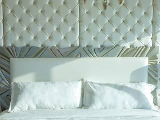 Monica Saravia Спальная комната Кровати и изголовья