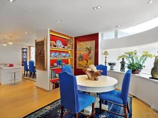 Grand House At Repulse Bay Road,Hong Kong Modern dining room by Darren Design & Associates 戴倫設計 Modern