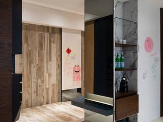 老宅新裝夢幻飯店宅 現代風玄關、走廊與階梯 根據 千綵胤空間設計 現代風