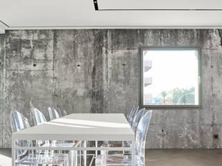 PISO - PUERTO DE ALCÚDIA Comedores de estilo minimalista de World Light estudio de iluminación Minimalista