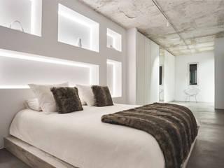 PISO - PUERTO DE ALCÚDIA Dormitorios de estilo minimalista de World Light estudio de iluminación Minimalista