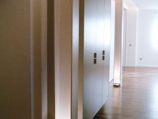 INVERSIONES EXPOSICIÓN SL Minimalist corridor, hallway & stairs
