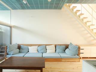 元西陣工場の家 モダンデザインの リビング の 中西ひろむ建築設計事務所/Hiromu Nakanishi Architects モダン