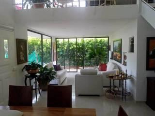 DeCasas.co Living room