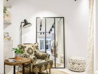 AUCANADA TREND Oficinas y tiendas de estilo ecléctico de World Light estudio de iluminación Ecléctico