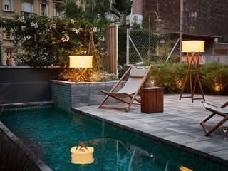 Besondere Gestaltung durch Außenbeleuchtung lights4life GmbH & Co.KG GartenBeleuchtung Holz Braun