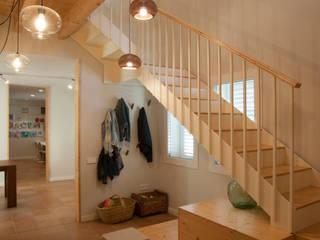 Casa CMB de ALBERT SALVIA dissenyador d'interiors Mediterráneo