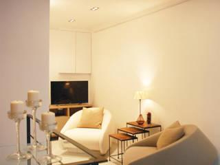 Paris XVIII Salon minimaliste par VSD / VERONICA SOLARI DESIGN Minimaliste