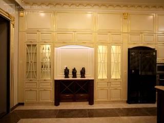 Nội thất bếp dát vàng biệt thự Tân Phú Nội thất Thành Nam KitchenCutlery, crockery & glassware Gỗ Amber/Gold