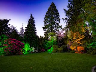 Eclectic style gardens by Moreno Licht mit Effekt - Lichtplaner Eclectic